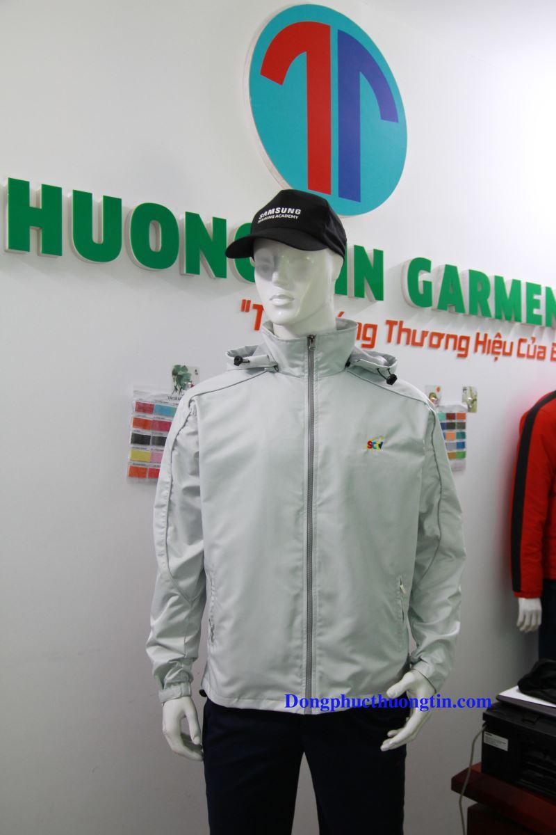 Xưởng may áo khoác giá rẻ ở đâu uy tín, chất lượng?