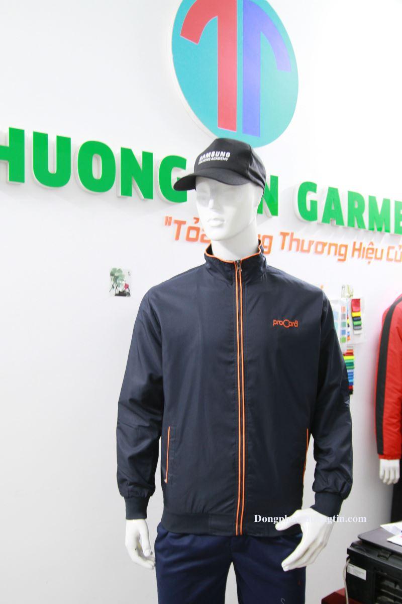 Xưởng may áo khoác giá rẻ trên toàn quốc