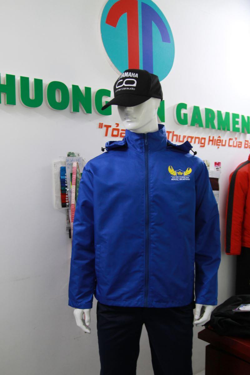 Thượng Tín chuyên may áo khoác, áo gió đồng phục tại quận 10 uy tín