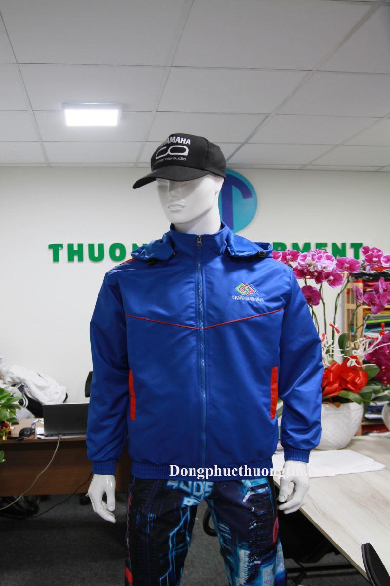 Xưởng may áo khoác đồng phục tại Long An