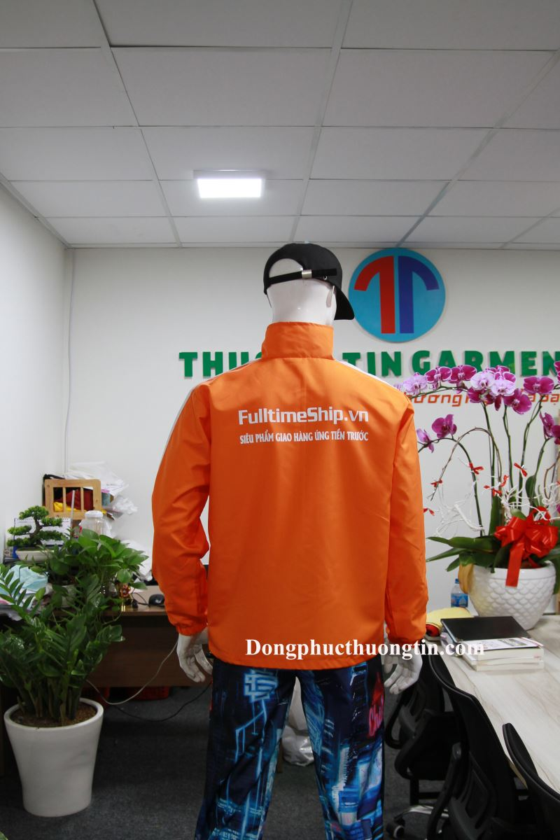 Xưởng may áo khoác, áo gió đồng phục tại quận 1 giá rẻ, chất lượng
