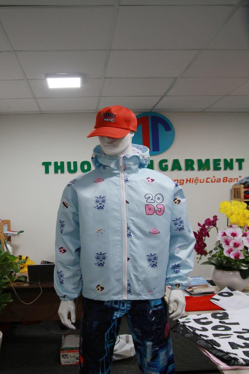 Lựa chọn xưởng may áo khoác đồng phục quận  5, cần lưu ý những gì?
