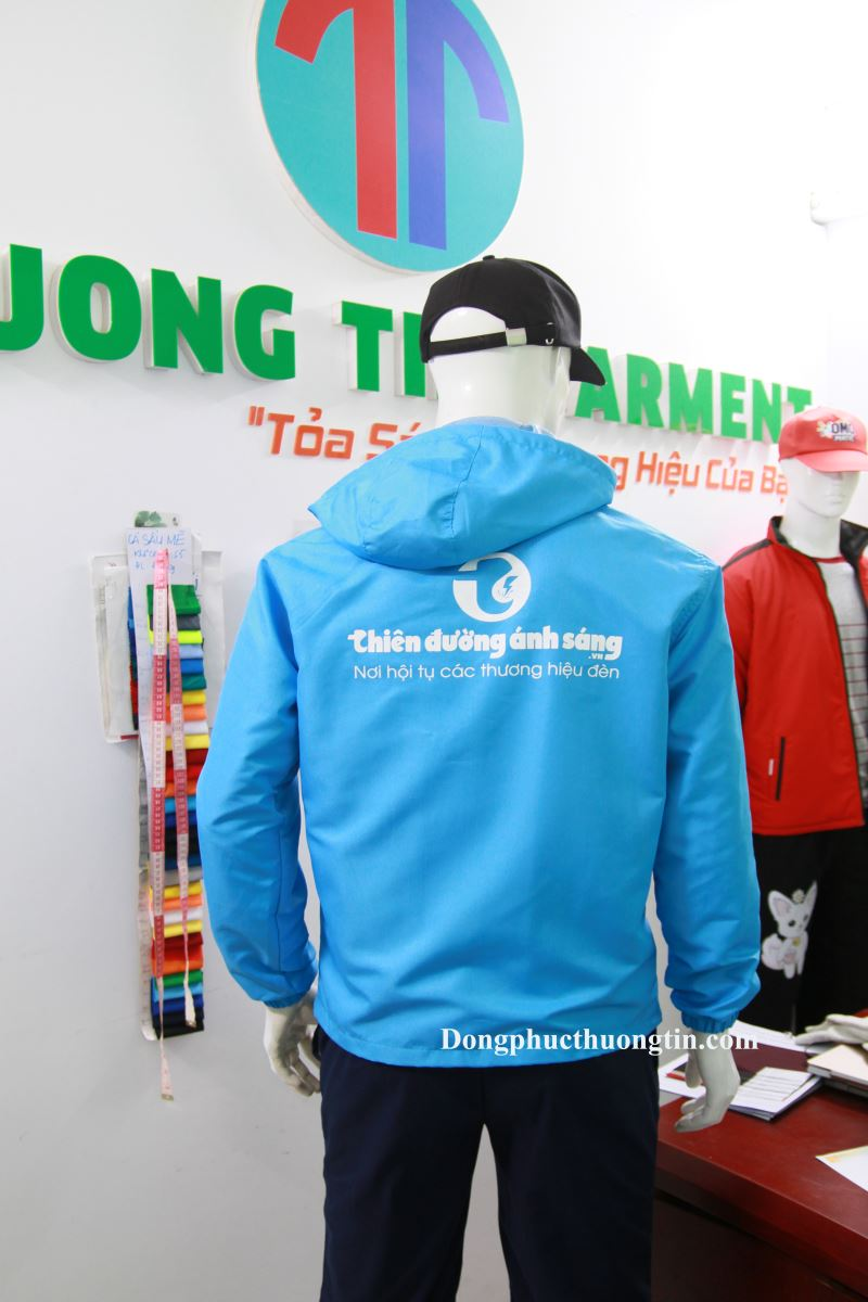 Xưởng may áo gió giá rẻ -Thượng Tín